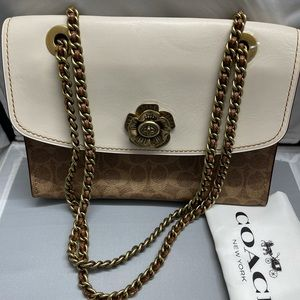 New & Authentic Coach Hand Bag with Gorgeous Belt